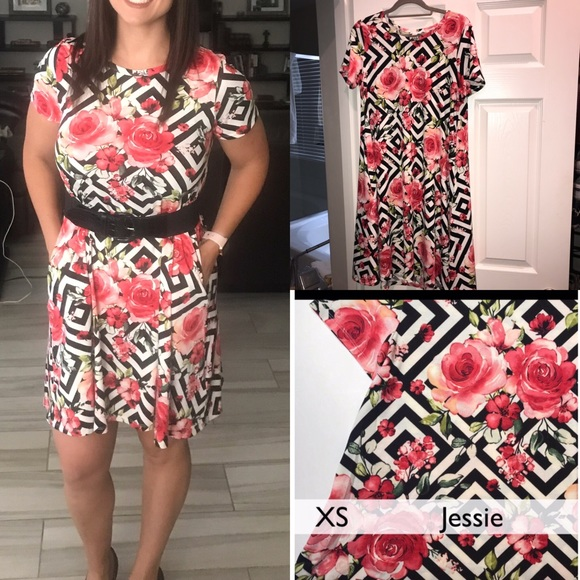 LuLaRoe Dresses & Skirts - Lularoe unicorn print HTF Jessie dress